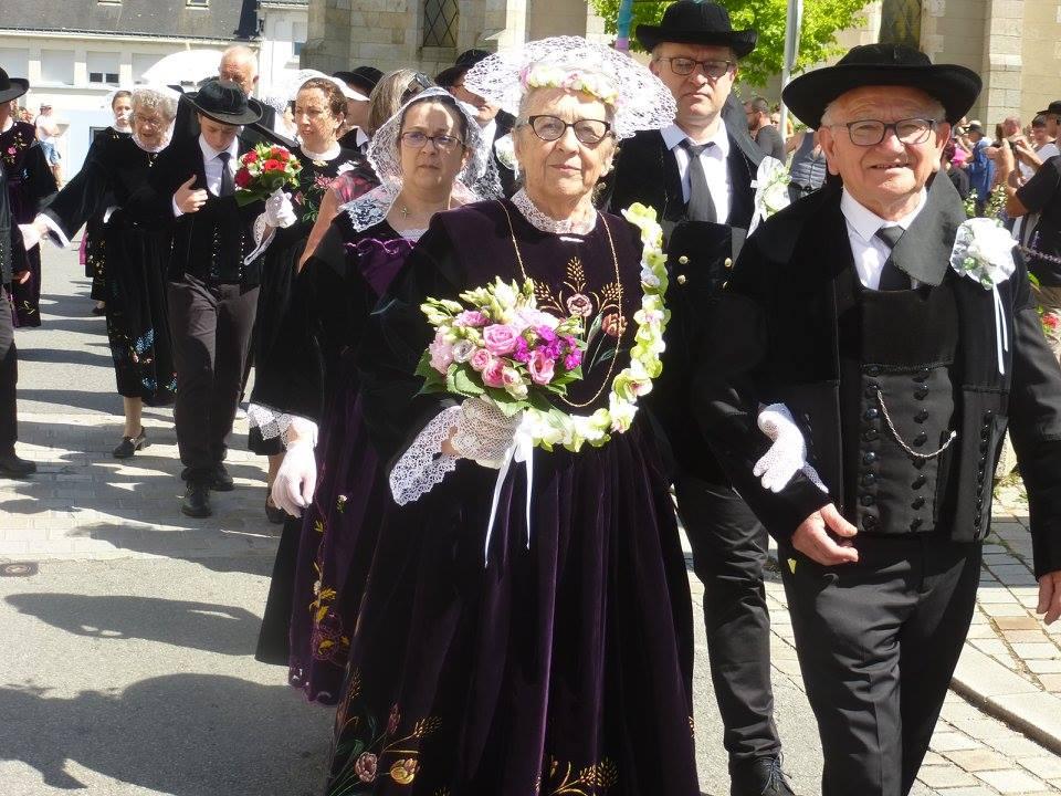 Soyez les invités d'une noce bretonne traditionnelle